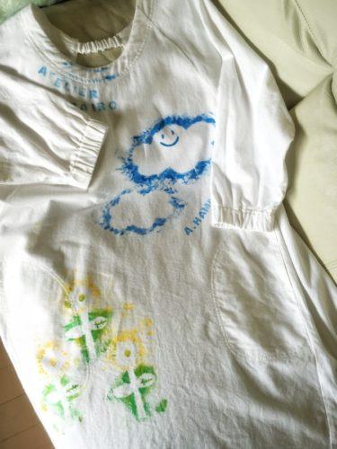布用の絵の具で描きました