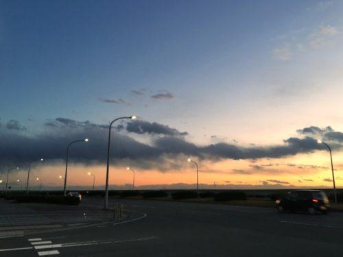 夕焼けとたなびく雲