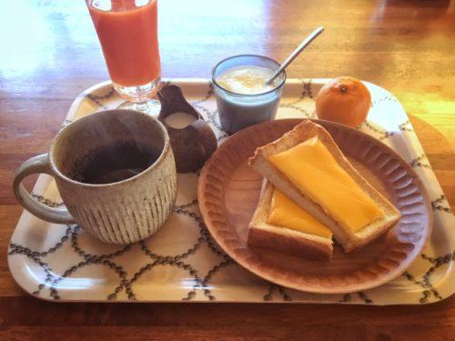 今朝は贅沢?チーズトースト