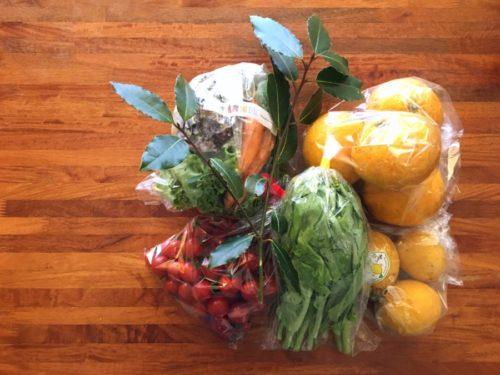 朝市で買ったお野菜と果物