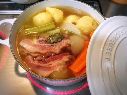 22cmのお鍋でポトフを煮る