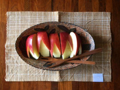 うさぎのカタチのりんご