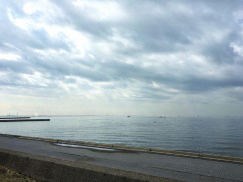 今日は穏やかな春の海