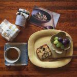 木の器とお菓子