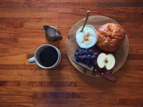 今日は果物多めのしっかり朝ごはん